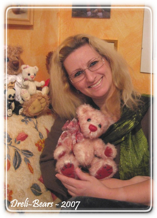 Dreli-Bears - the artist and her bears